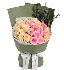 初夏:戴安娜粉玫瑰9枝,香槟玫瑰15枝