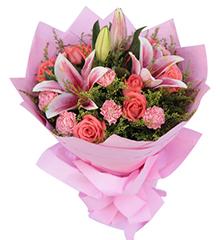 因为爱:9枝粉玫瑰,9枝粉康乃馨,粉香水百合2枝