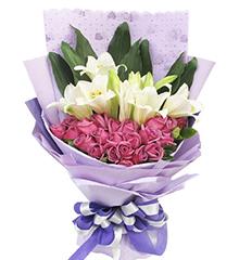 紫色浪漫:22枝紫玫瑰,4枝多头铁炮百合