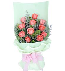 绿意盎然:11枝粉玫瑰