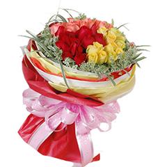 多彩的季节:红、粉、黄玫瑰各12枝