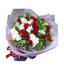 水乳交融:红玫瑰16朵,白玫瑰13朵