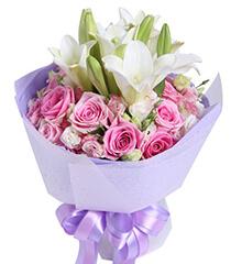 款款柔情:苏醒玫瑰16枝,铁炮百合2枝