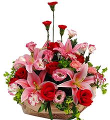 圆满:康乃馨6枝,红玫瑰7枝,粉香水百合2枝(5朵)