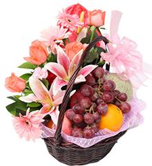 欣情(水果花篮):百合、红掌、玫瑰、扶郎、康乃馨等花材;进口橙子、红富士苹果、红提、哈密瓜等新鲜水果