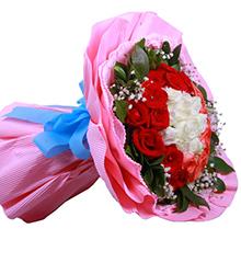 最浪漫的事:白色.粉色.红色玫瑰各11枝