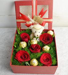 与你同在:5朵玫瑰5颗巧克力
