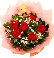 浪漫之梦:6朵红玫瑰+小熊