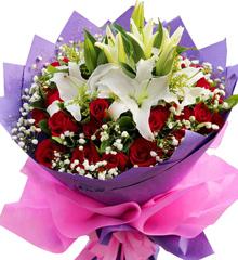 紫色岁月:33朵红玫瑰,3支多头白百合