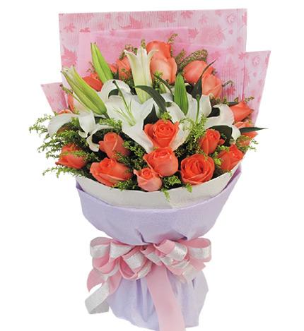 守护幸福:白香水百合2枝,粉玫瑰19枝