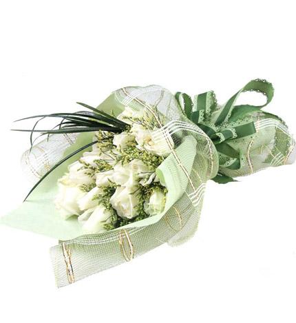 月光恋人:19枝白色玫瑰